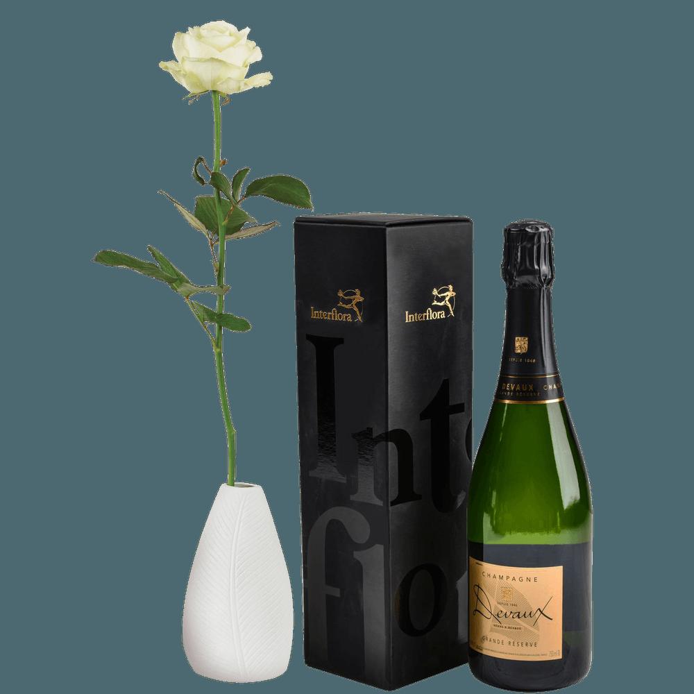 Rose blanche et son champagne Devaux