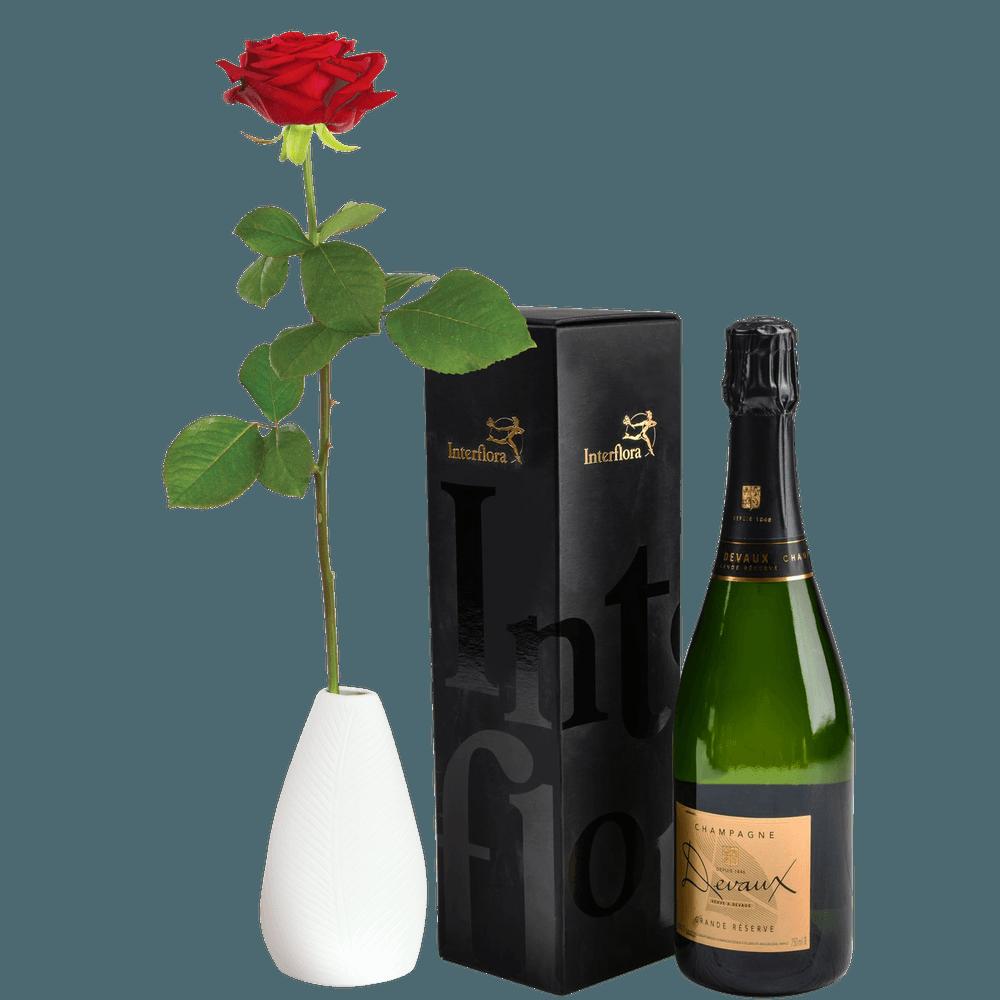 Rose rouge et son champagne Devaux