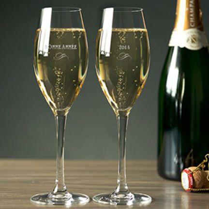 2 Flûtes à champagne gravées et leur écrin cadeau