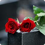Choisir des fleurs pour un deuil : guide et conseils