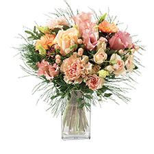 6e02d8ab8c4d ... Brassée de renoncules et ses Biscuits Fauchon 39€90 · Bouquet de fleurs  Boudoir