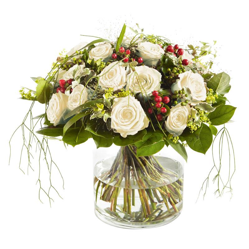 bouquet rond g n reux de roses gros boutons blancs interflora. Black Bedroom Furniture Sets. Home Design Ideas