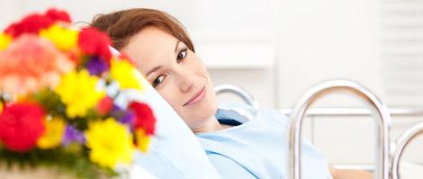 La livraison de fleurs dans une maternité