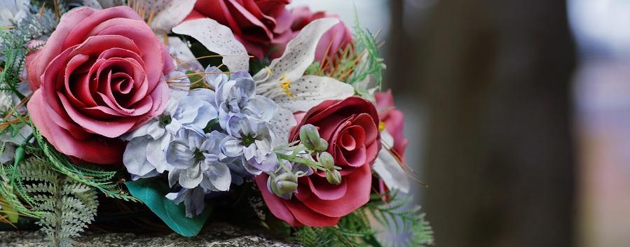 Les fleurs selon la relation avec le défunt