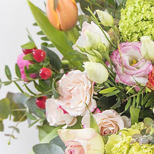 Bouquet de roses Mamie chérie et ses douceurs au chocolat