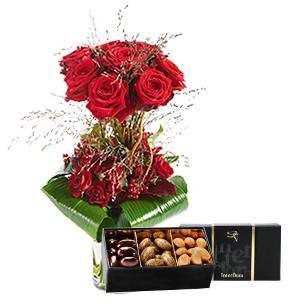 Bouquet de roses Audace et son écrin d'amandes gourmandes Fête du chocolat