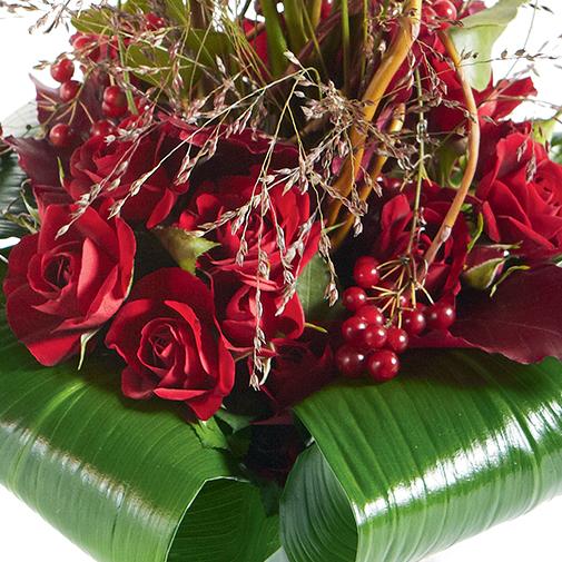 Bouquet de roses Audace et son écrin d'amandes au chocolat