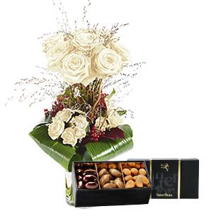 Bouquet de roses Audace blanc et son écrin d'amandes gourmandes Fête du chocolat