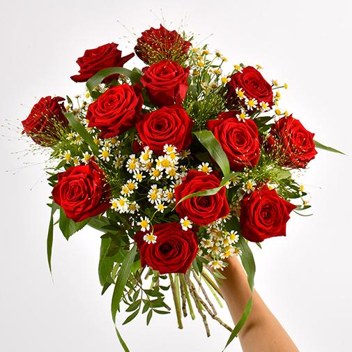 Bouquet de roses Rouge idylle et ses amandes au chocolat