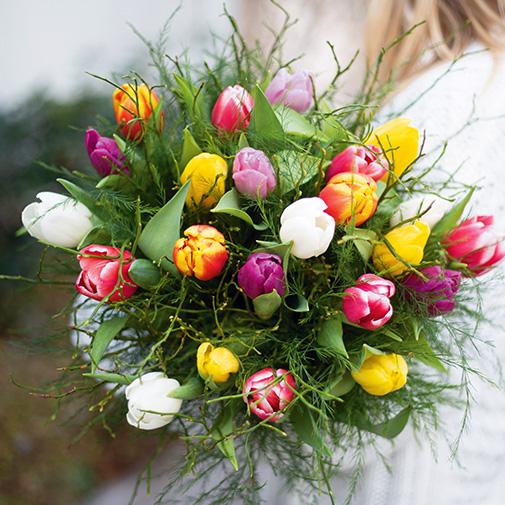 Bouquet de fleurs Nos charmantes tulipes et leurs douceurs au chocolat