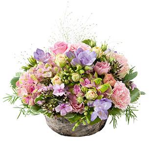 composition florale composition de fleurs et plantes interflora. Black Bedroom Furniture Sets. Home Design Ideas