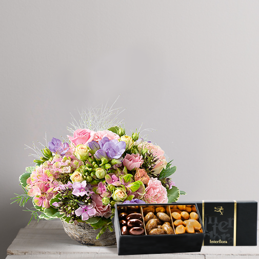 Fleurs et cadeaux Santorin et son écrin d'amandes au chocolat