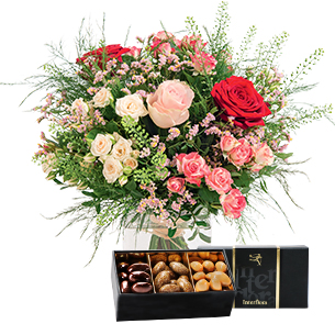 Bouquet de l'amour et son ecrin d'amandes gourmandes - interflora