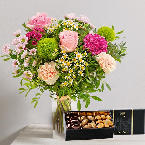 Fleurs et cadeaux Tendre bisou et son écrin d'amandes gourmandes