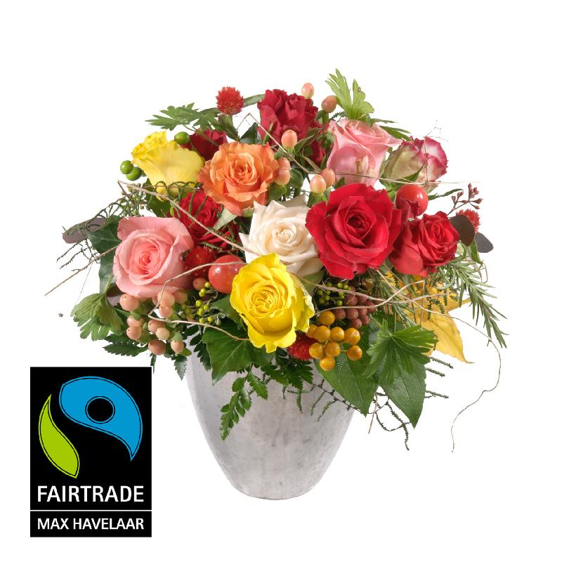 Bellissima ... with Fairtrade Max Havelaar-Roses, small bloo