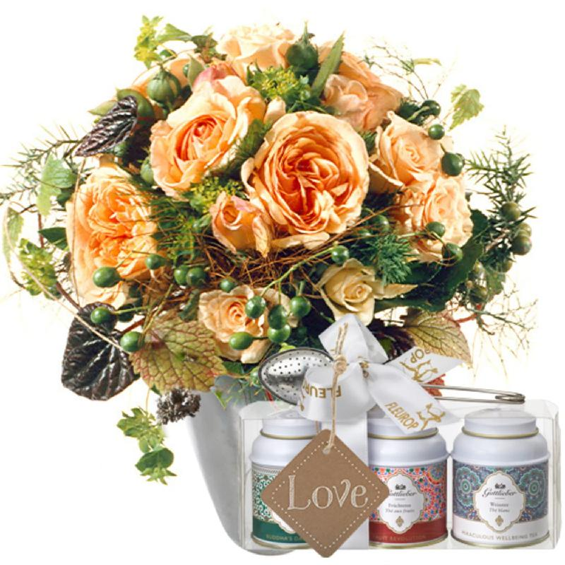 Tender Winter Roses with Gottlieber tea gift set and hanging