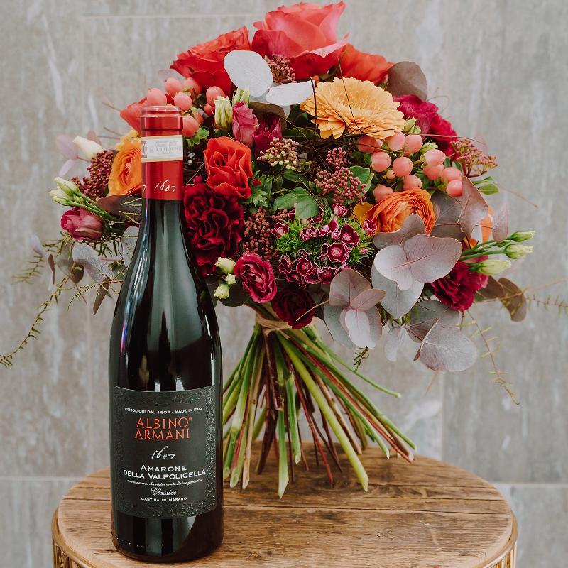 Bouquet de fleurs «Passion» created by a Master with Amarone Albino Armani  DO