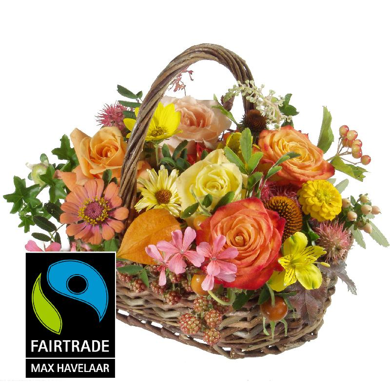 Bouquet de fleurs Picturesque Seasonal Basket with Fairtrade Max Havelaar-Rose