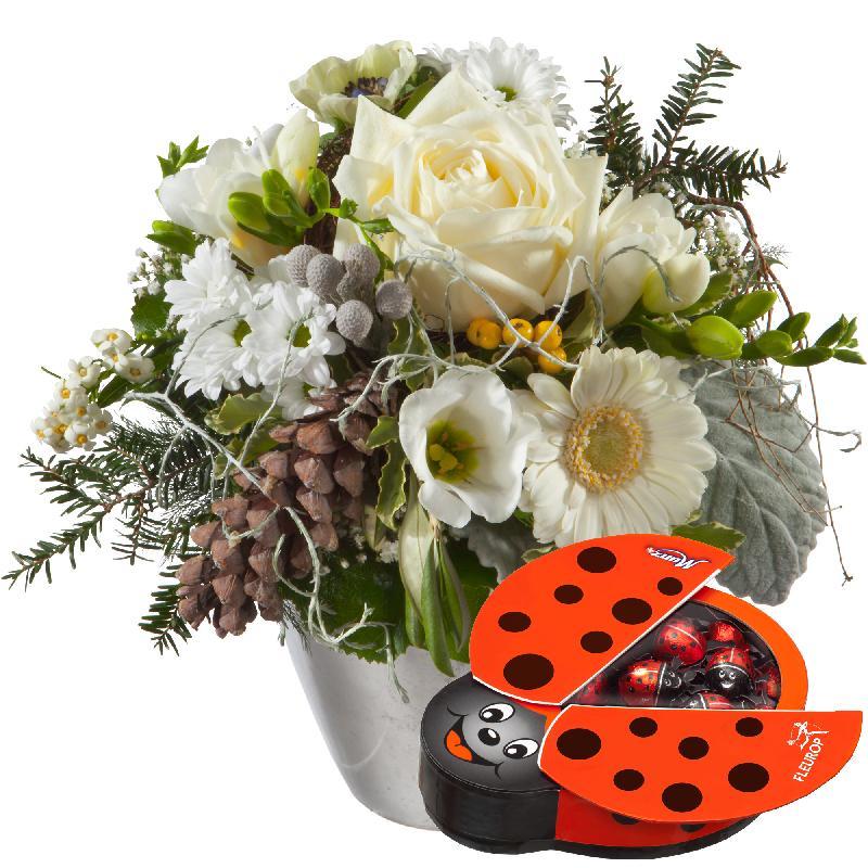 Bouquet de fleurs Winter Fairy with chocolate ladybird