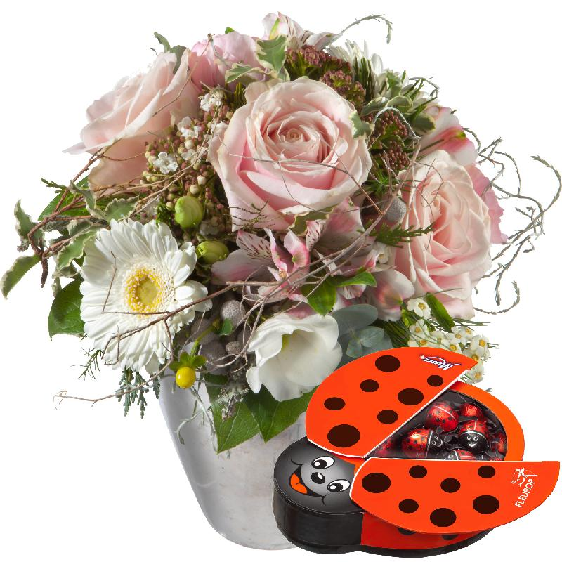Bouquet de fleurs Delicately Romantic Winter, with chocolate ladybird