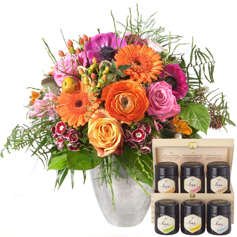 Bouquet de fleurs The Magic of Spring with honey gift set