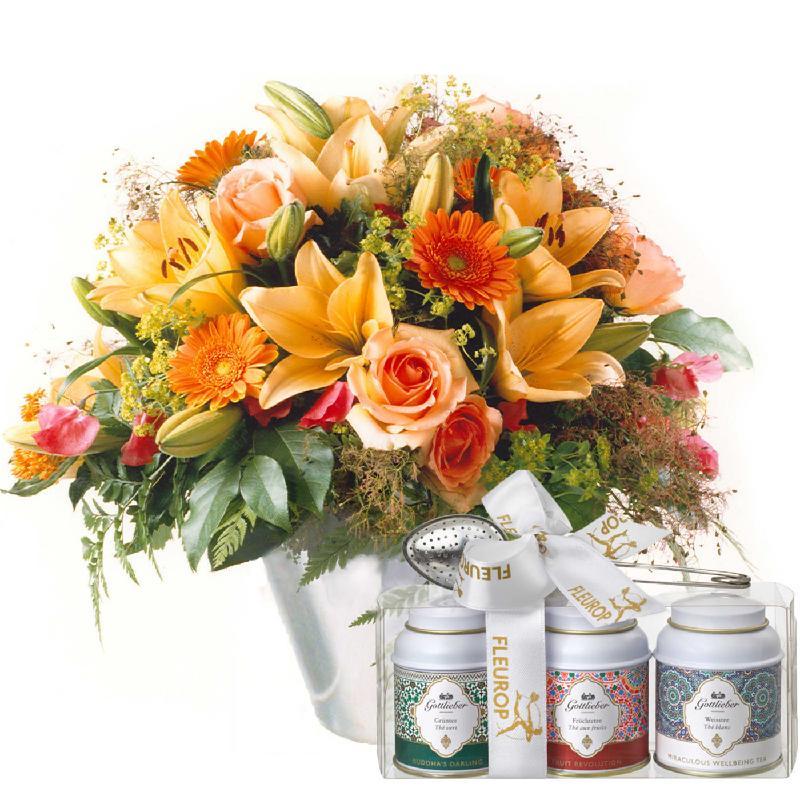 Bouquet de fleurs Gorgeous Bouquet of Flowers with Gottlieber tea gift set