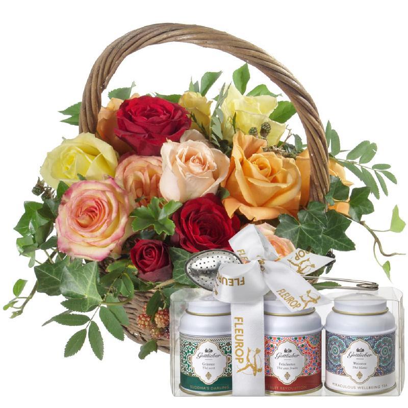 Bouquet de fleurs Basket Full of Roses with Gottlieber tea gift set