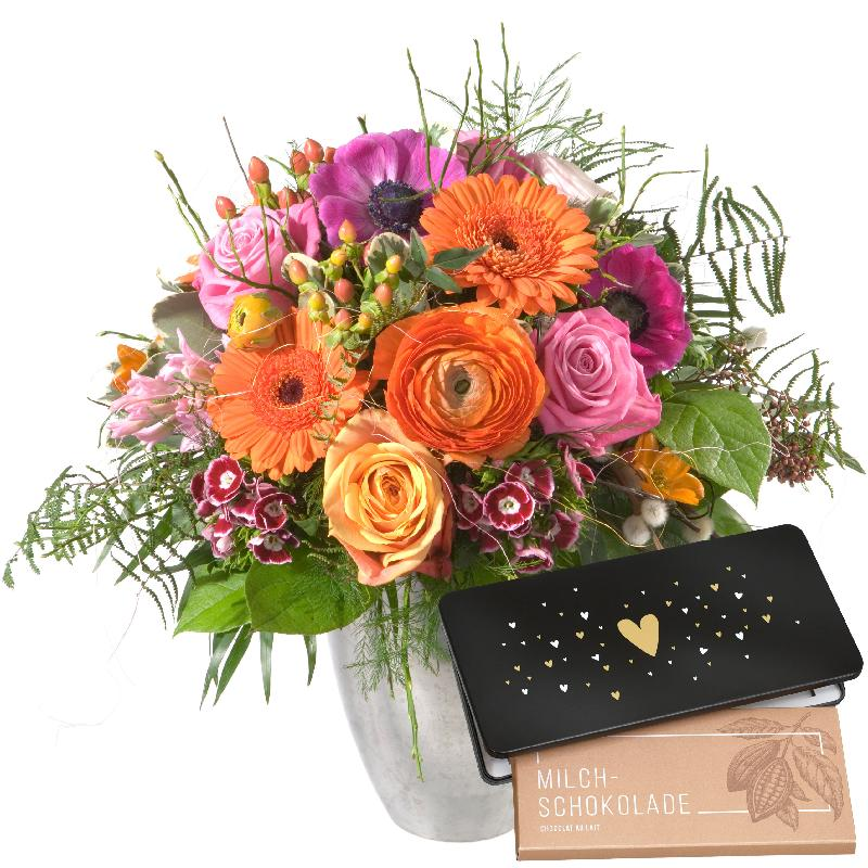 """Bouquet de fleurs The Magic of Spring with bar of chocolate """"Heart"""""""