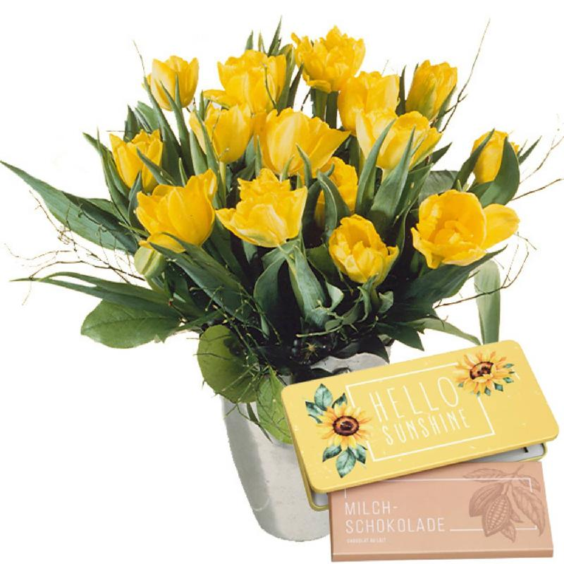 "Bouquet de fleurs Bouquet of Tulips in Yellow with bar of chocolate ""Hello Sun"