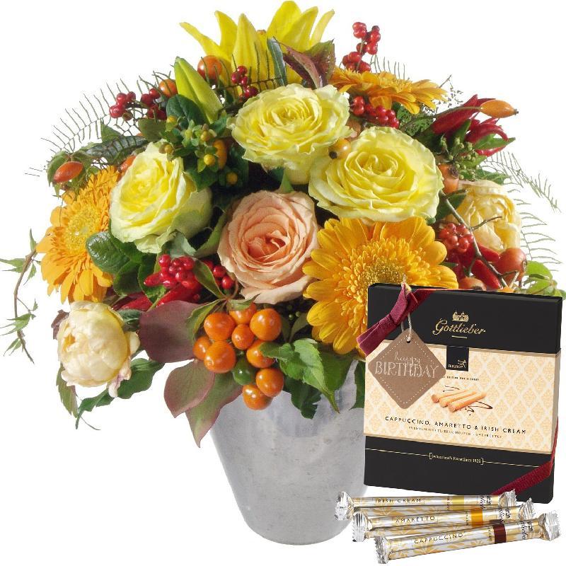 Bouquet de fleurs Winter Sun with Gottlieber Hüppen and hanging gift tag «Happ