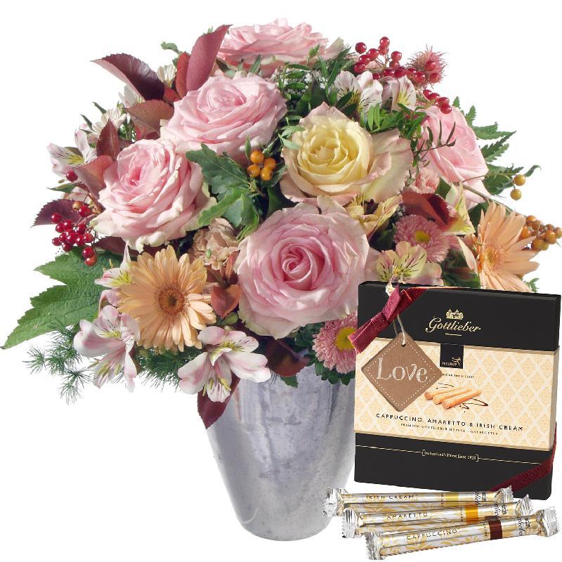 Bouquet de fleurs Romantic Winter Dream with Gottlieber Hüppen and hanging gif
