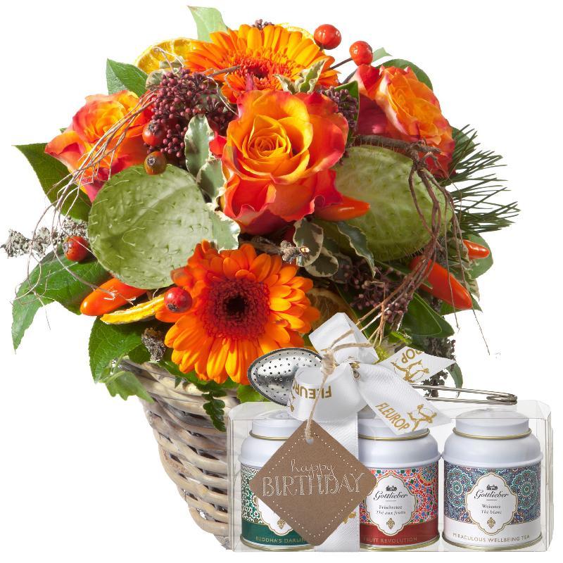 Bouquet de fleurs Winter Surprise with Gottlieber tea gift set and hanging gif