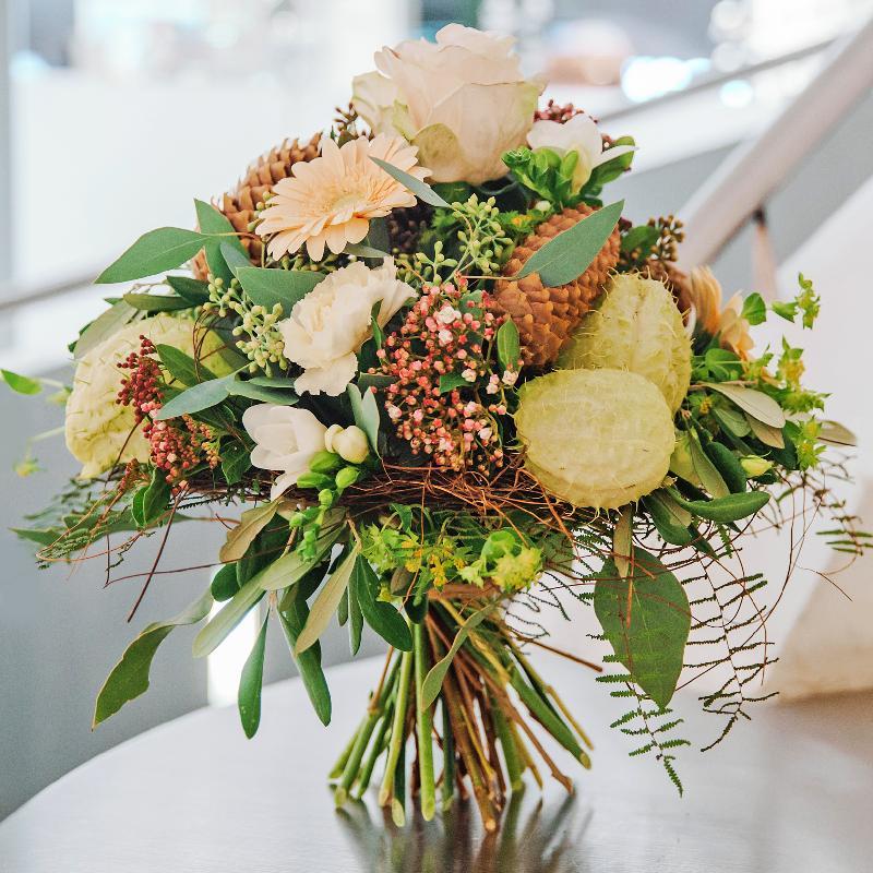 Bouquet de fleurs «Winter Joy» created by a Master