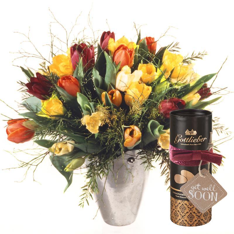 Bouquet de fleurs Colorful Bouquet of Tulips with Gottlieber cocoa almonds and