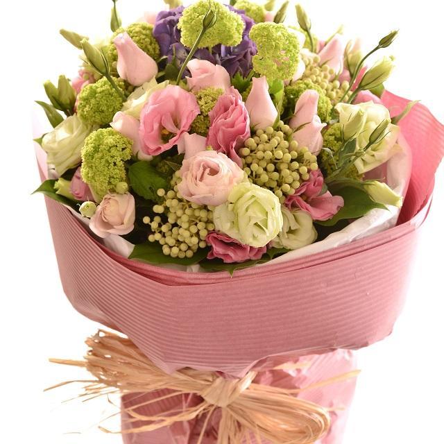 Bouquet de fleurs Bouquet of Cut Flowers pastel pinks