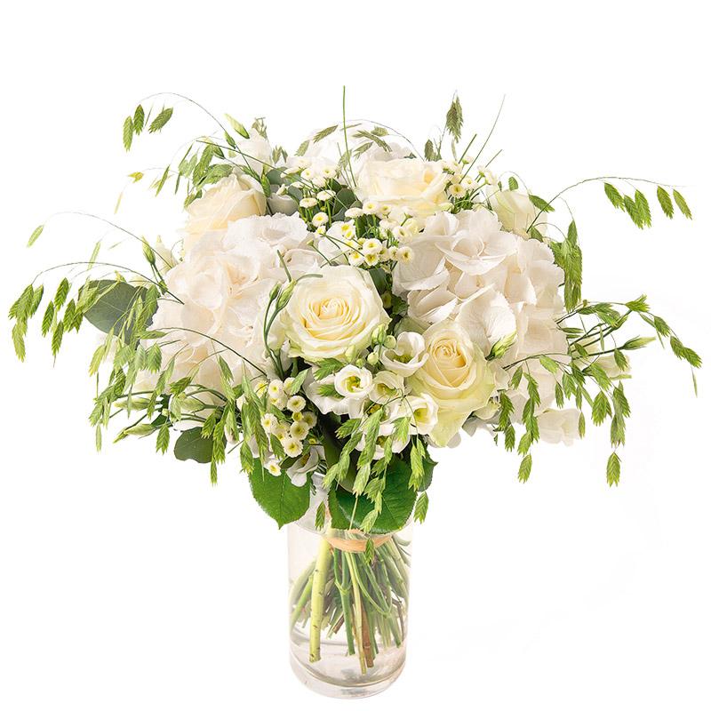 bouquet champ tre de roses hortensias et fleurs vari es blanches interflora. Black Bedroom Furniture Sets. Home Design Ideas
