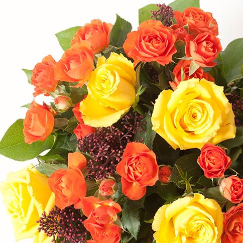 bouquet de roses jaunes et orange bouquet festif interflora. Black Bedroom Furniture Sets. Home Design Ideas