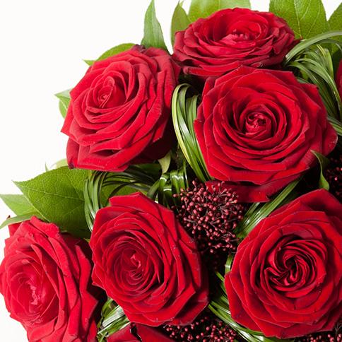 bouquet de roses rouges bouquet romantique rouge interflora. Black Bedroom Furniture Sets. Home Design Ideas