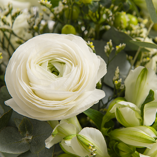 Fleurs et cadeaux Megève et son vase offert