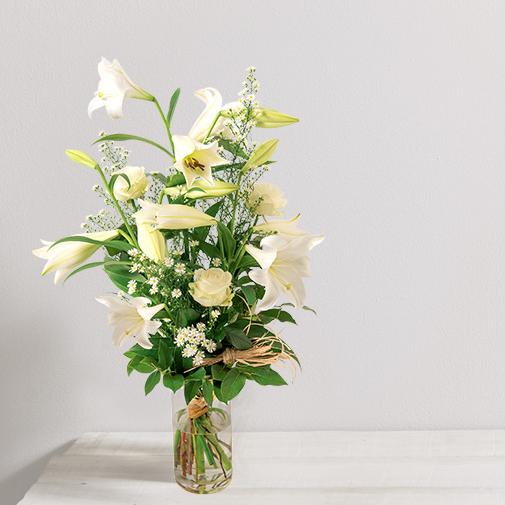 Bouquet de fleurs - lys blanc et rose blanche   Interflora