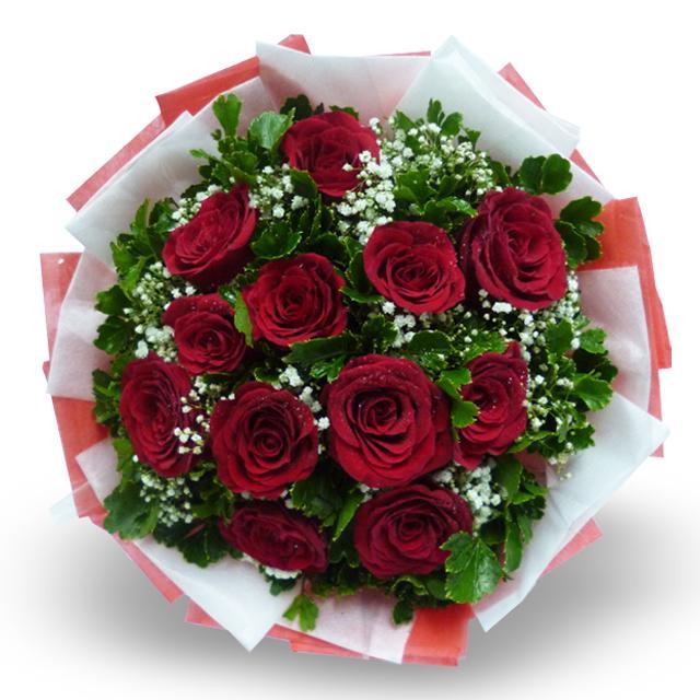 Bouquet de fleurs 12 Red Roses Wrapped