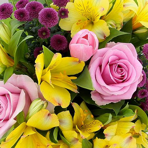 Bouquet de fleurs Joyeuses Pâques et son vase offert