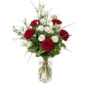 fleur d 39 amour bouquet de fleurs et cadeau amour interflora. Black Bedroom Furniture Sets. Home Design Ideas