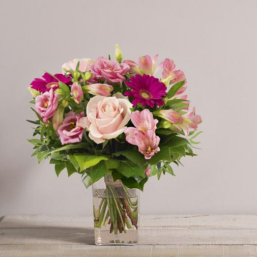 Bouquet de fleurs La vie en rose et son vase