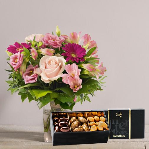 Fleurs et cadeaux La vie en rose et son écrin d'amandes gourmandes