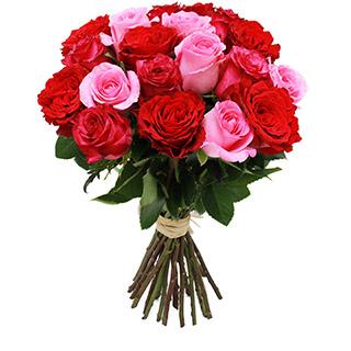 Brassée de roses roses et rouges
