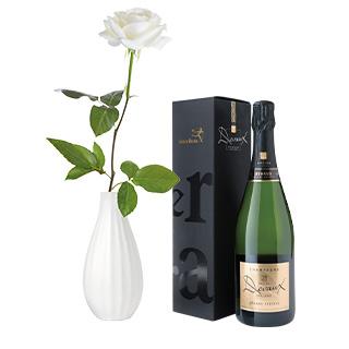 Rose blanche, son champagne Devaux